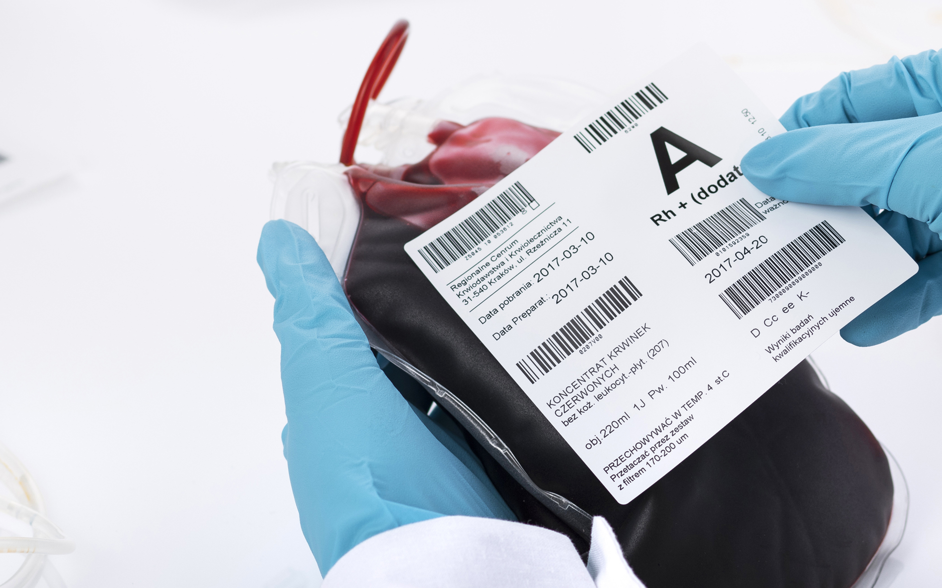 Labels for blood and frozen plasma bags with non-migrating ...